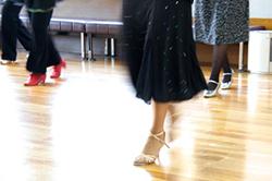 打ち合わせ通りにしか踊れないダンスレッスン イメージ